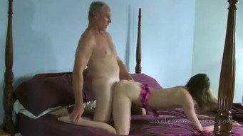 Niece pleased old uncle with blowjob and young pussy