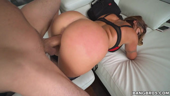 Beautiful sex with a girl who has a delicious ass