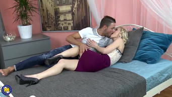 Slim 45 year old woman gets fucked by a young 20 year old guy