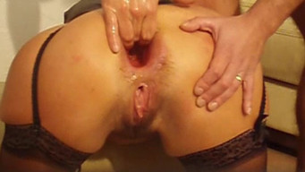 Girl piss during anal fisting and rough fucking