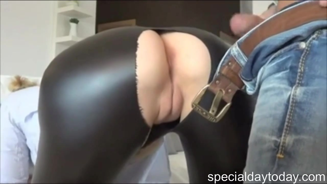 A Dick In The Pussy the boy tore leggings on the blonde and put his dick in the
